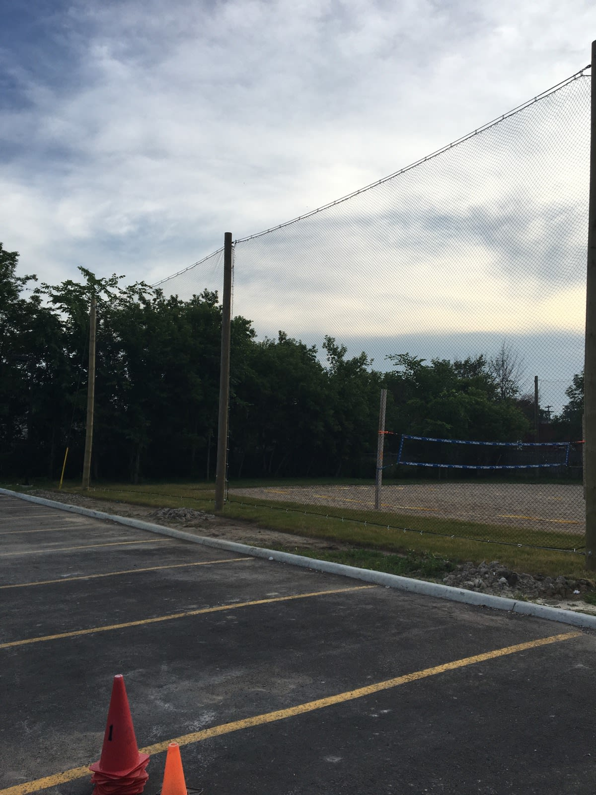 Containment netting 2 panel for volleyball court
