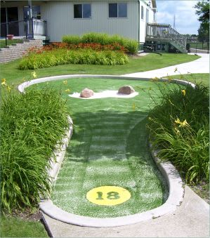 miniature golf hole